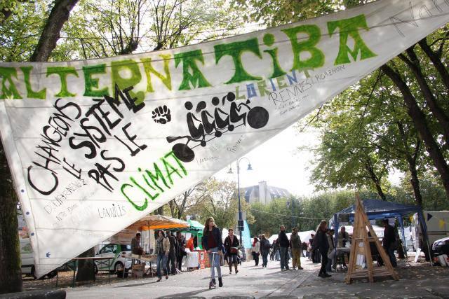 climat-belle-affluence-au-village-des-solutions-alternatives_1