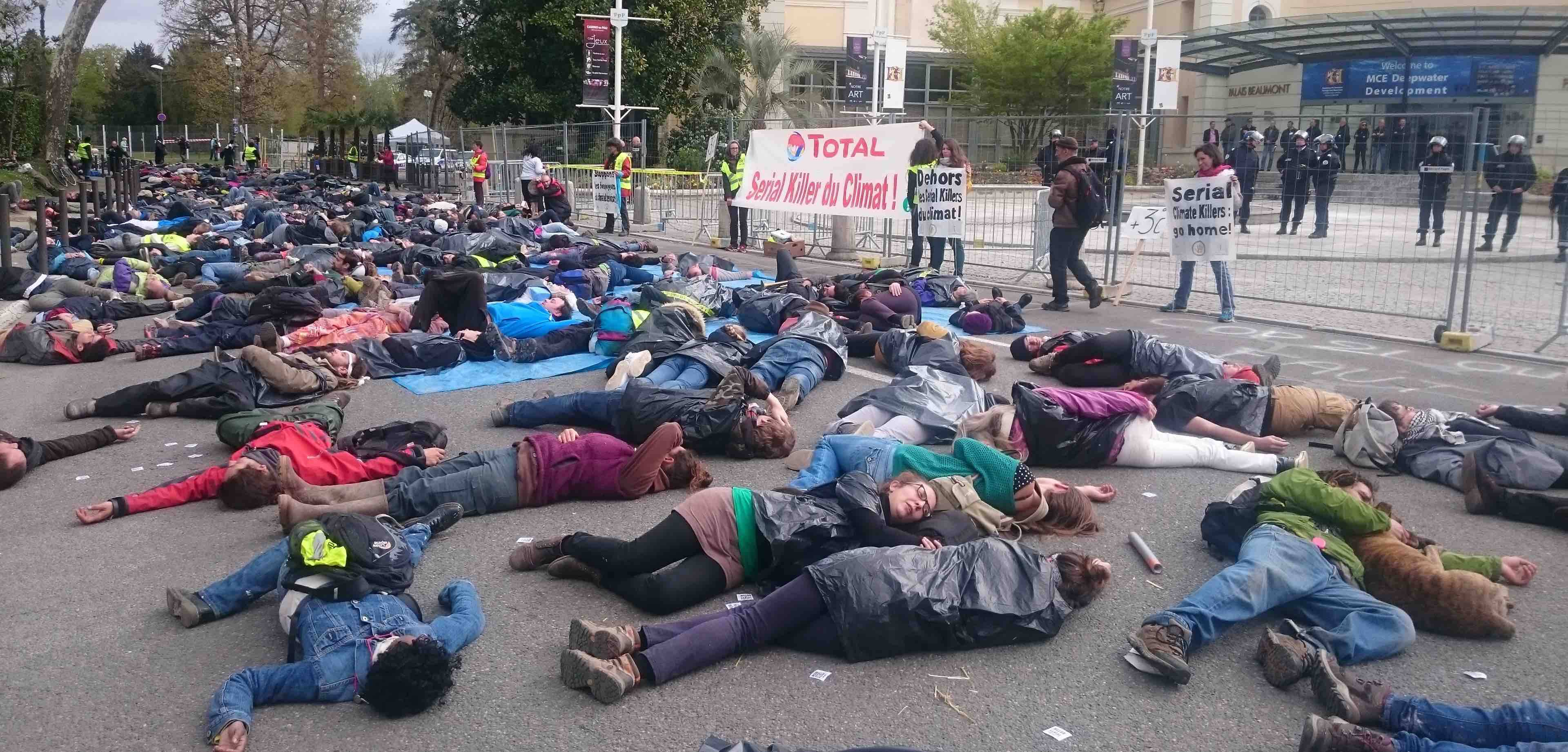 die-in-actionsymbolique