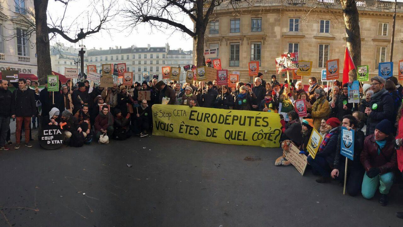 Les collectifs Alternatiba et ANV-COP21 investissent la mobilisation européenne face au CETA et pour la justice climatique !