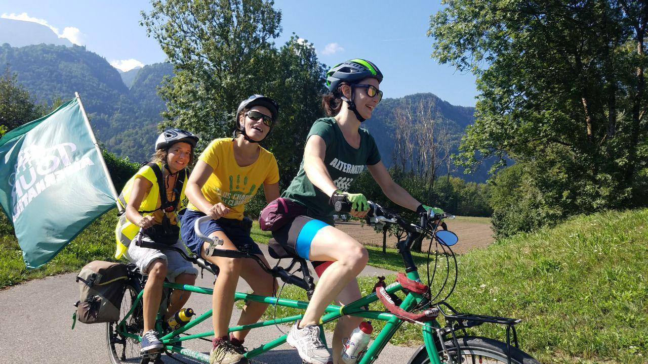 Triplette dans les montagnes Tour Alternatiba