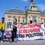 Action décrochons macron jeunes Paris 24 mai